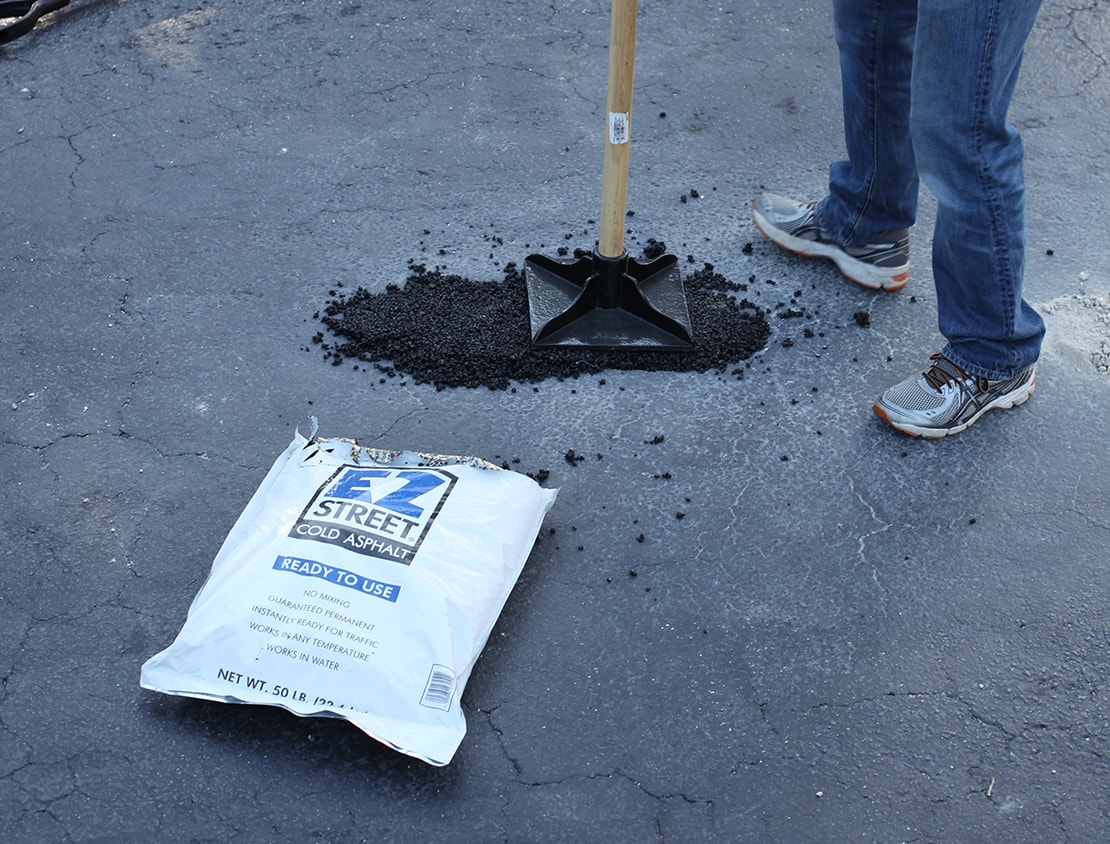 Do it yourself pothole driveway repair with ez street cold asphalt compact solutioingenieria Gallery