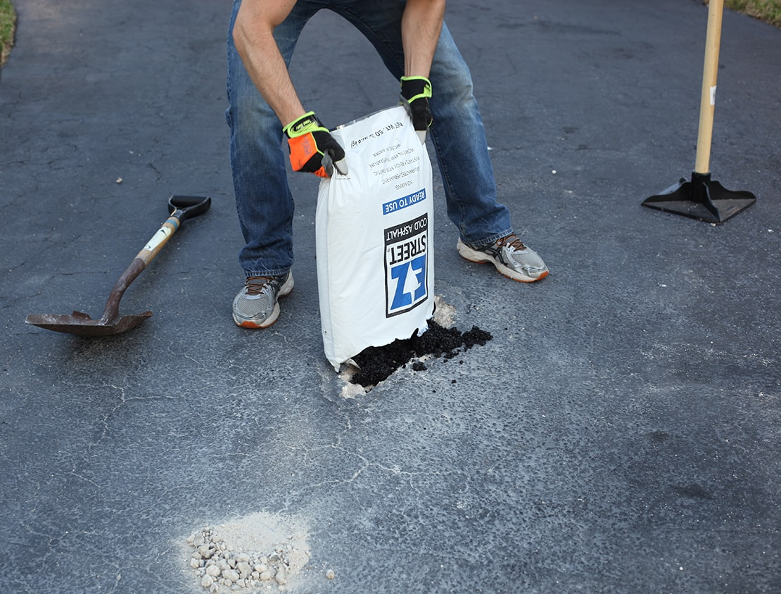 Do it yourself pothole driveway repair with ez street cold asphalt fill solutioingenieria Images